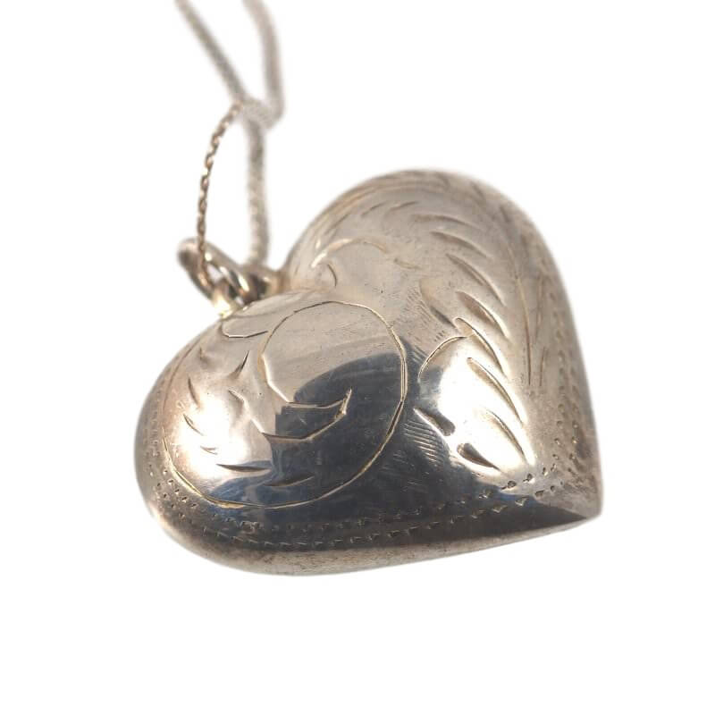 Vintage silver necklaces pendants and pendant necklaces etched vintage sterling silver puffy heart pendant necklace aloadofball Images