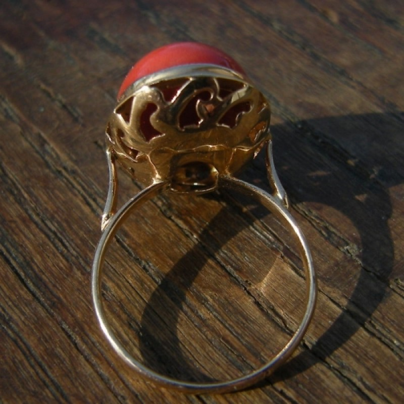 Vintage Oval Cabochon Natural Salmon Coral 14k Gold Ring
