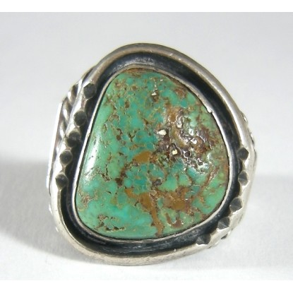 Large Vintage Hand Wrought Native American Turquoise Sterling Silver Ring